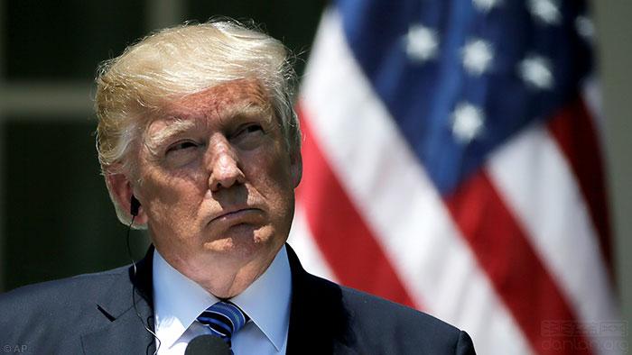 特朗普宣布禁止跨性别者参军