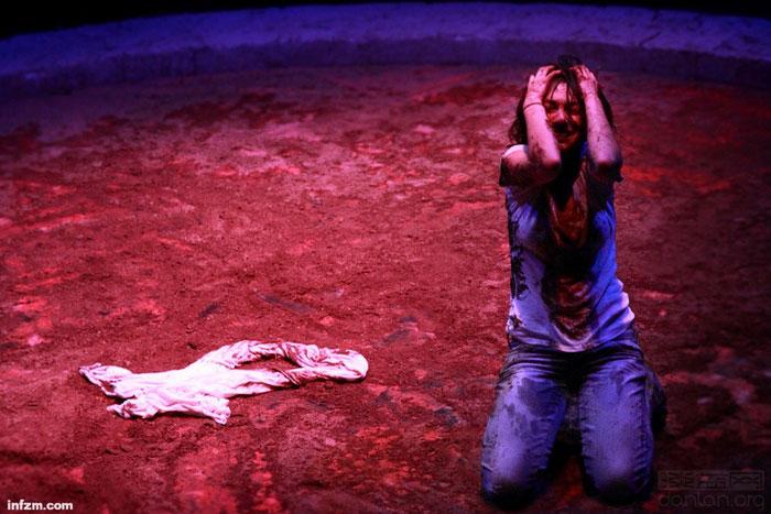 话剧《安提戈涅》在上海演出