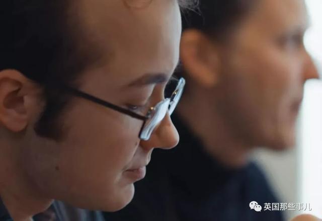 同性恋儿子因为出柜压力自杀,她最终成了守护LGBT的龙妈妈