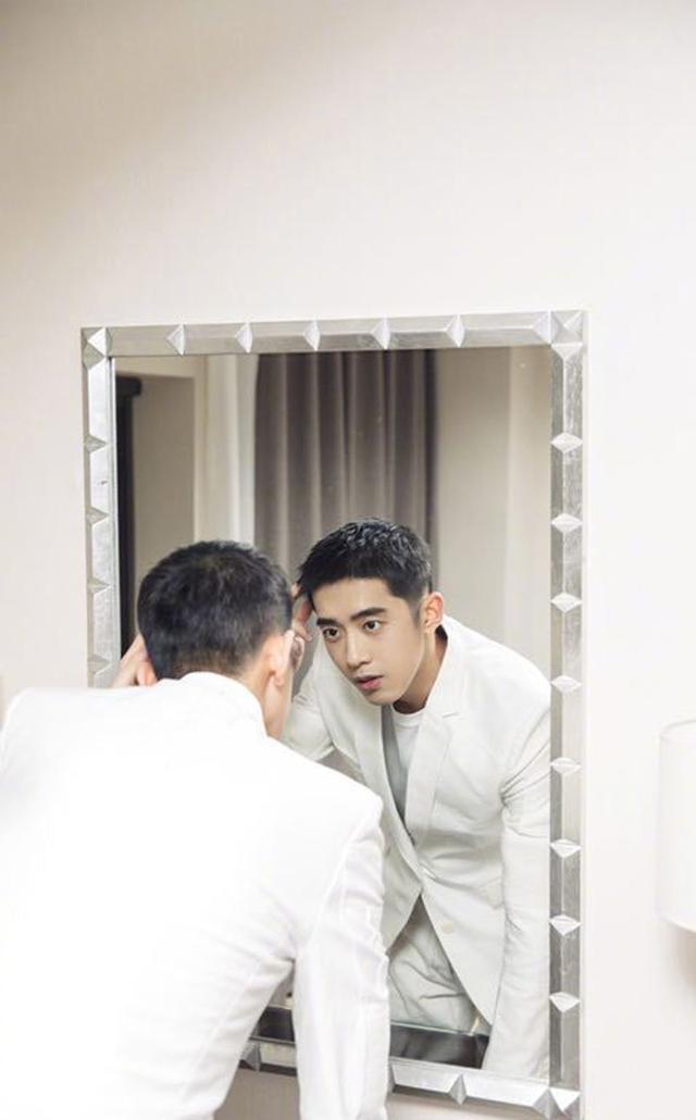 男士护肤小技巧,解决秋冬皮肤问题,你真的了解吗?