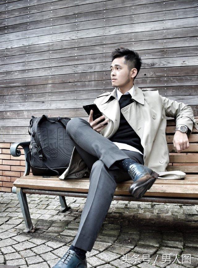台湾轻熟型男,上演正装诱惑?