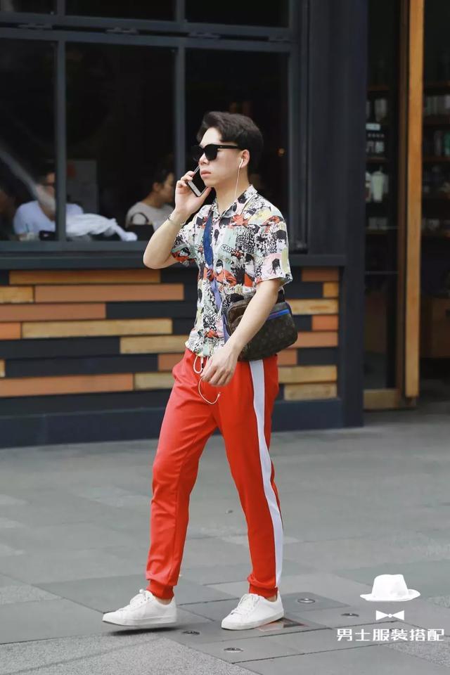 为什么时尚达人今年都喜欢穿这条裤子?