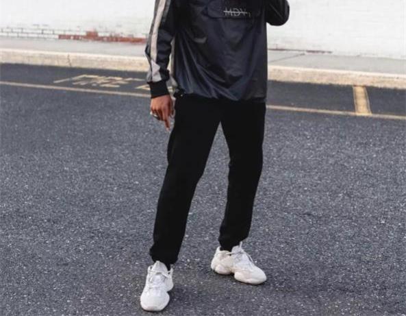 超火老爹鞋,搭这三种裤装最时髦