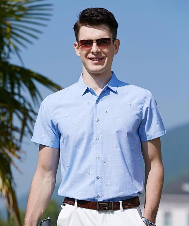 男人时尚的穿着打扮,简单休闲凸显自我