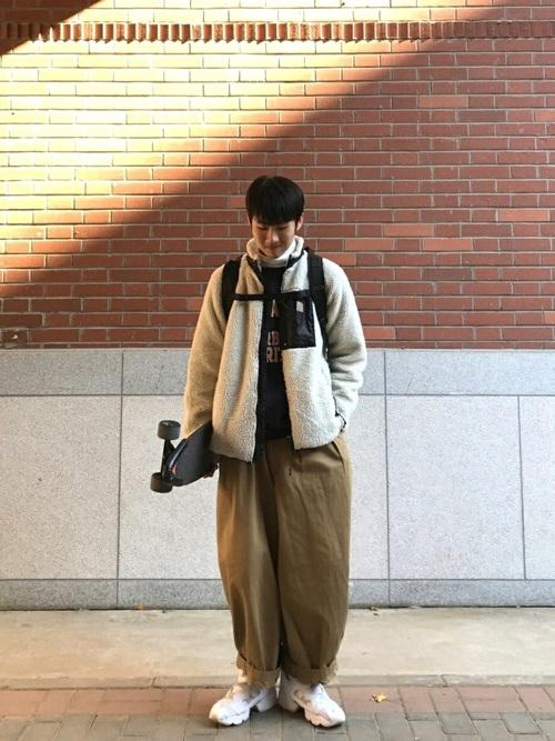 175cm穿搭系列,快来看看吧。简简单单才是最好的男生穿衣选择~