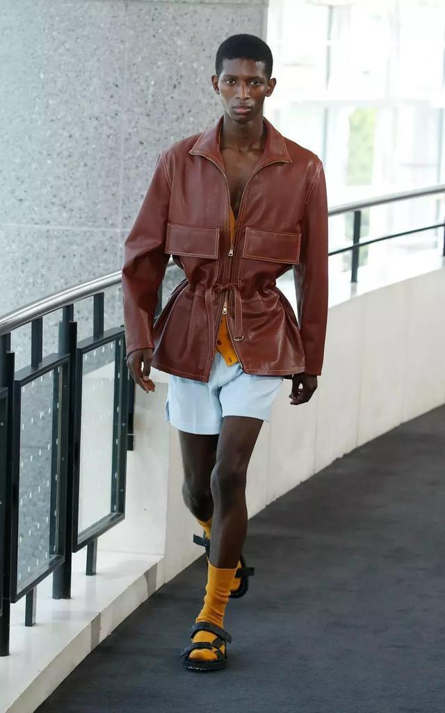"""男人们今年到底该怎样""""穿皮""""?"""
