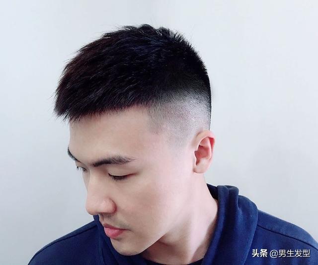 """男生""""酷帅""""的发型长这样!推荐3款潮酷发型,简单帅气好打理"""