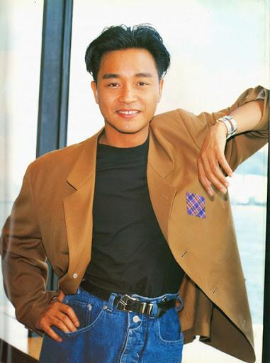 张国荣穿衣造型曾引争议,30年前的风格,在当今依旧是潮流