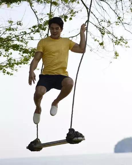 巴西肌肉小哥走红网络,完美身材让网友大呼:酸了!
