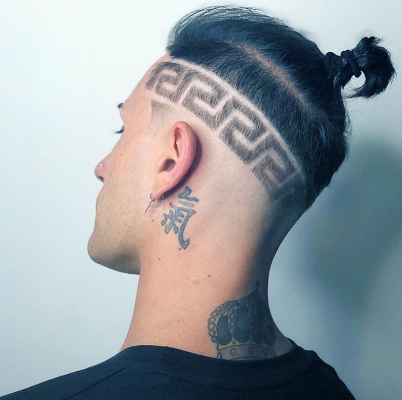 """男生还在剪""""寸头""""?理发师建议留这4款发型,让你帅气翻倍"""